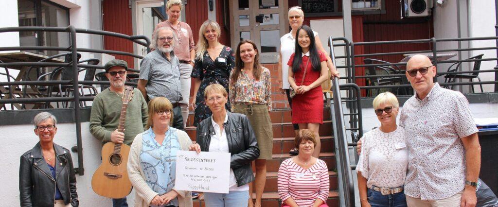 HappyHand gir overskuddet i juni til Krisesenteret i Moss